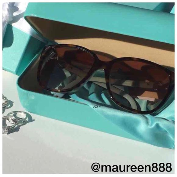 f564f38b8e3 Tiffany   Co. Infinity Square Sunglasses OMG. M 58306df441b4e0a431033733