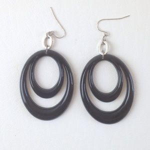 "DYTt4 Black plastic oval 3"" hook pierced earrings"
