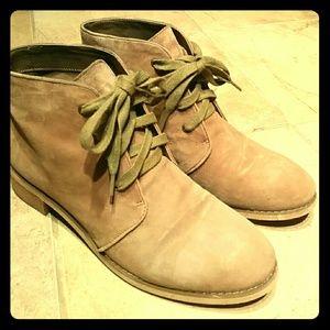 BDG Suede Desert Boot
