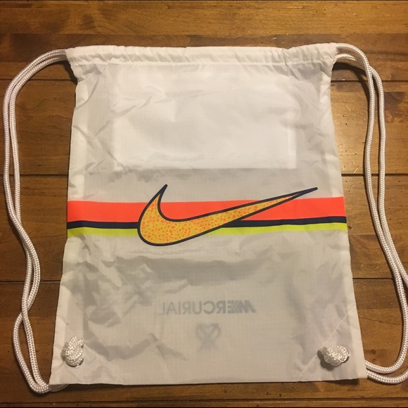NIKE  MERCURIAL  DRAWSTRING BAG NEW NEVER USED. M 5827d1736a5830ac96052919 fb220626b5