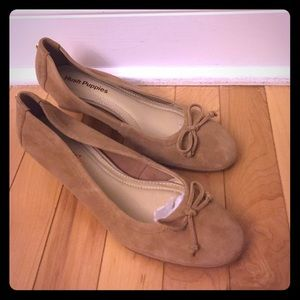 Hush Puppies Shoes - NEW Hush Puppies Wedges Tan Size 7