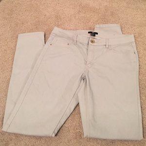 H&M Pants - Slim fit H&M cream khaki pants