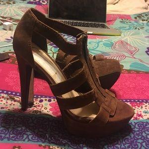 Jessica Simpsons heels