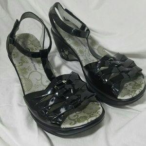 Jambu Shoes - JAMBU Sz 9 Black Patent Sport Wedge Design
