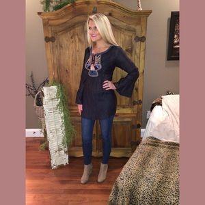 Zara Tops - ZARA chic tribal style blouse || L || so stylish ✨