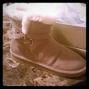 Michael kors winter booties