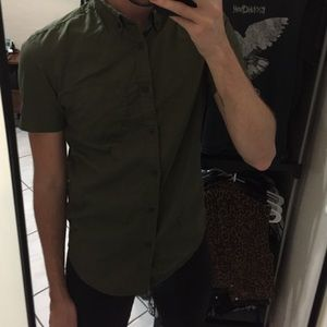 Men's dark olive green button down small
