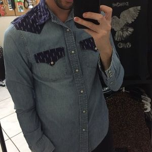 Men's small long sleeved button down