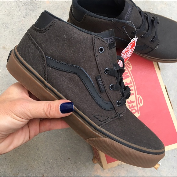 50a88163ee 💻💰NWB 🎁 VANS  CHAPMAN  mid top size 5 youth