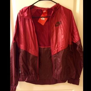 NWT Nike Windbreaker Jacket