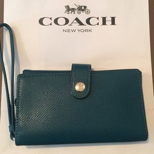 NEW Coach Crossgrain Leather Phone Clutch