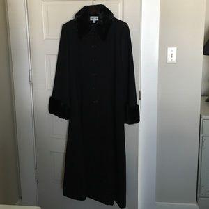 Albert Nipon Jackets & Blazers - Albert Nipon long black winter dress coat
