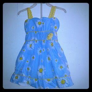 Brand New 2t flower dress very beautiful