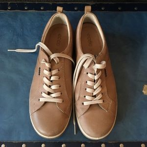 Ecco Shoes - Ecco tan sneakers size 39