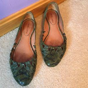Corso Como Shoes - Corso Como Green Snake Print Cutouts Ballet Flats