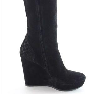 Gucci Shoes - Fantastic Gucci Suede Boots
