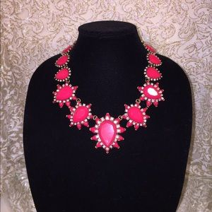 Jewelry - STUNNING STATEMENT NECKLACES