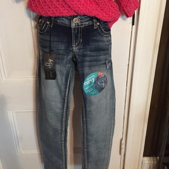 6eae5a812ab68 Ariya skinny jeans. Curvy fit.
