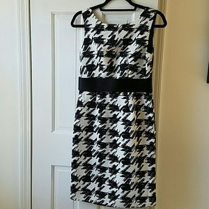limited edition  Dresses & Skirts - Black and white dress with belt