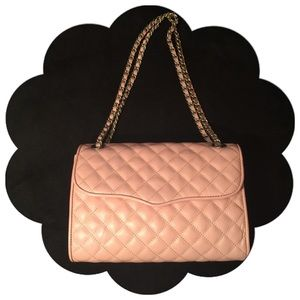 Rebecca Minkoff Handbags - ❣️SALE❣️Rebecca Minkoff Quilted Large Affair