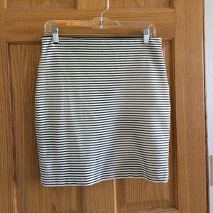 Ann Taylor Loft S black & white stripped skirt