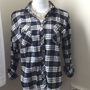 Mine Tops - Black & Grey Plaid Flannel Shirt