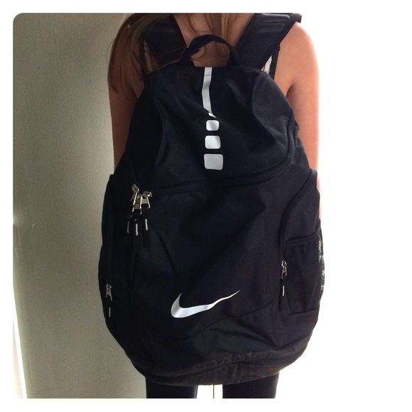 01e5f2020f Nike Elite Large Backpack. M 5828d6ff9818294a05084211