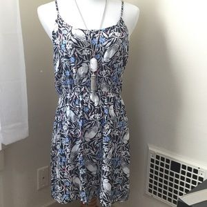 Old Navy Dresses & Skirts - Bird & Floral Print Dress