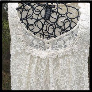 Valerie Stevens Dresses & Skirts - NWOT CREAM LACE TUNIC DRESS