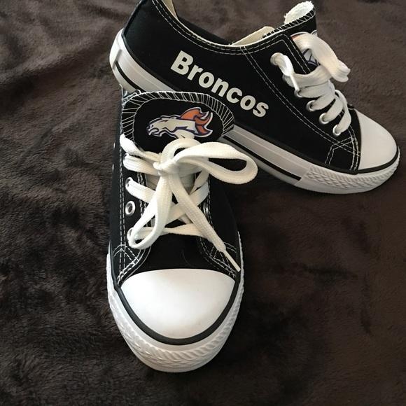 cheap for discount 4f29d 64d9c Denver Broncos tennis shoes. 🏈💙. M 5828df70b4188e50510ddefc