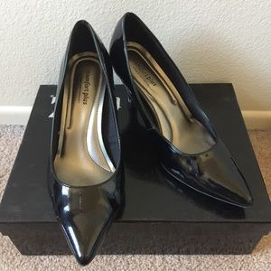 dexflex comfort plus Shoes - Black patent pointy-toe pumps