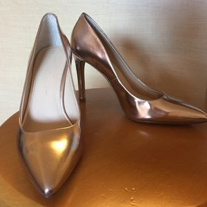 Banana Republic Shoes - 🌸 Host Pick 🌸 NWT Banana Republic Ninah Pump