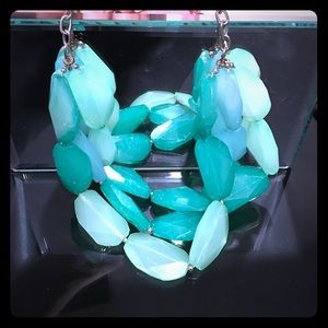 Jewelry - Green acrylic chunky necklace