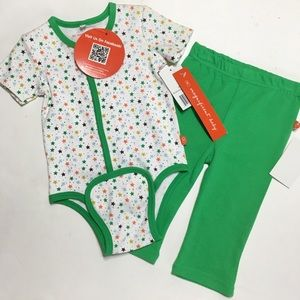 Magnificent Baby Other - Magnificent Baby Green Star Kimono & Pants Set