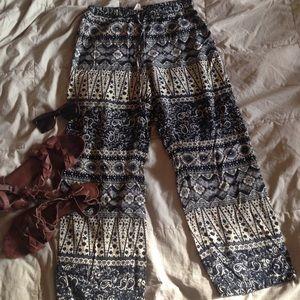 Urban Outfitters Pants - Staring at stars drawstring boho pants w/pockets