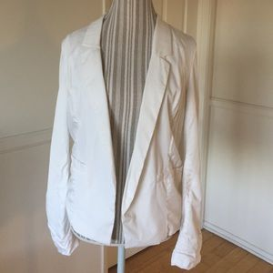 Frenchi Jackets & Blazers - White fit-and-flair blazer