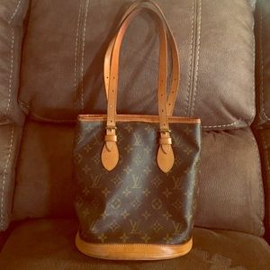 Louis Vuitton Handbags - Authentic Louis Vuitton PM Bucket Purse
