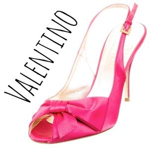 Valentino Shoes - Valentino Pink Satin Pumps - R$975