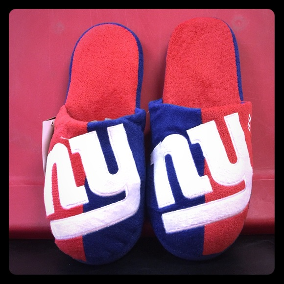 0f636c10 Brand New New York Giants Slippers NWT