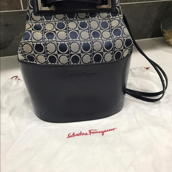 Vintage Salvatore Ferragamo Bucket Bag. M 582906544e95a30cef08f8c5 9811cbe4aa8f0