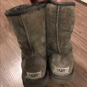 Uggs - short gray