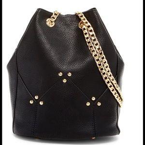 Handbags - Last1🎉Black Leather Bucket Bag w Gold Chain Strap