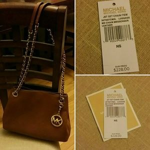 MK jet set chain messenger