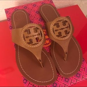 240bcc455c0 Tory Burch Shoes - 💯Tory Burch Louisa Flat Thong Limited Time offer