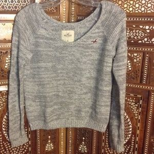 Hollister Sweaters - Cute cropped pullover v-neck sweater