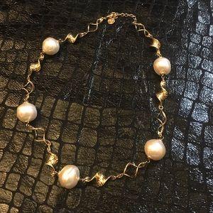Vintage Jewelry - ⬇️Vintage Baroque Pearl Necklace