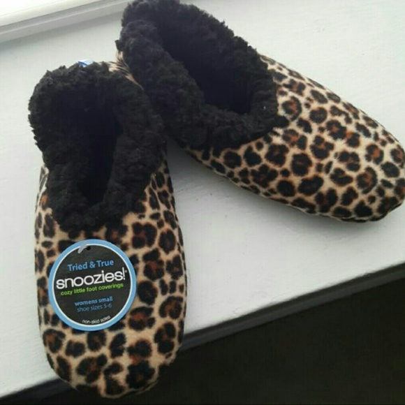 148a573de93 Super Soft and Fluffy Snoozies Slippers