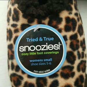 7e9dd17289f snoozies Shoes - Super Soft and Fluffy Snoozies Slippers