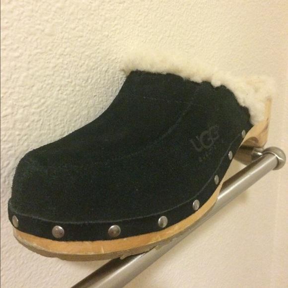 ugg clogs size 9