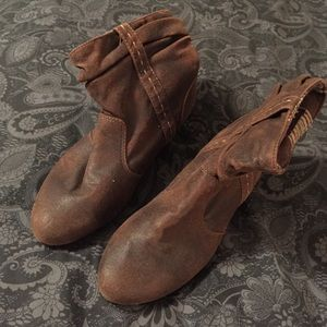 MUDD Brown Booties size 8